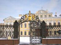 Ворота Шереметевского дворца